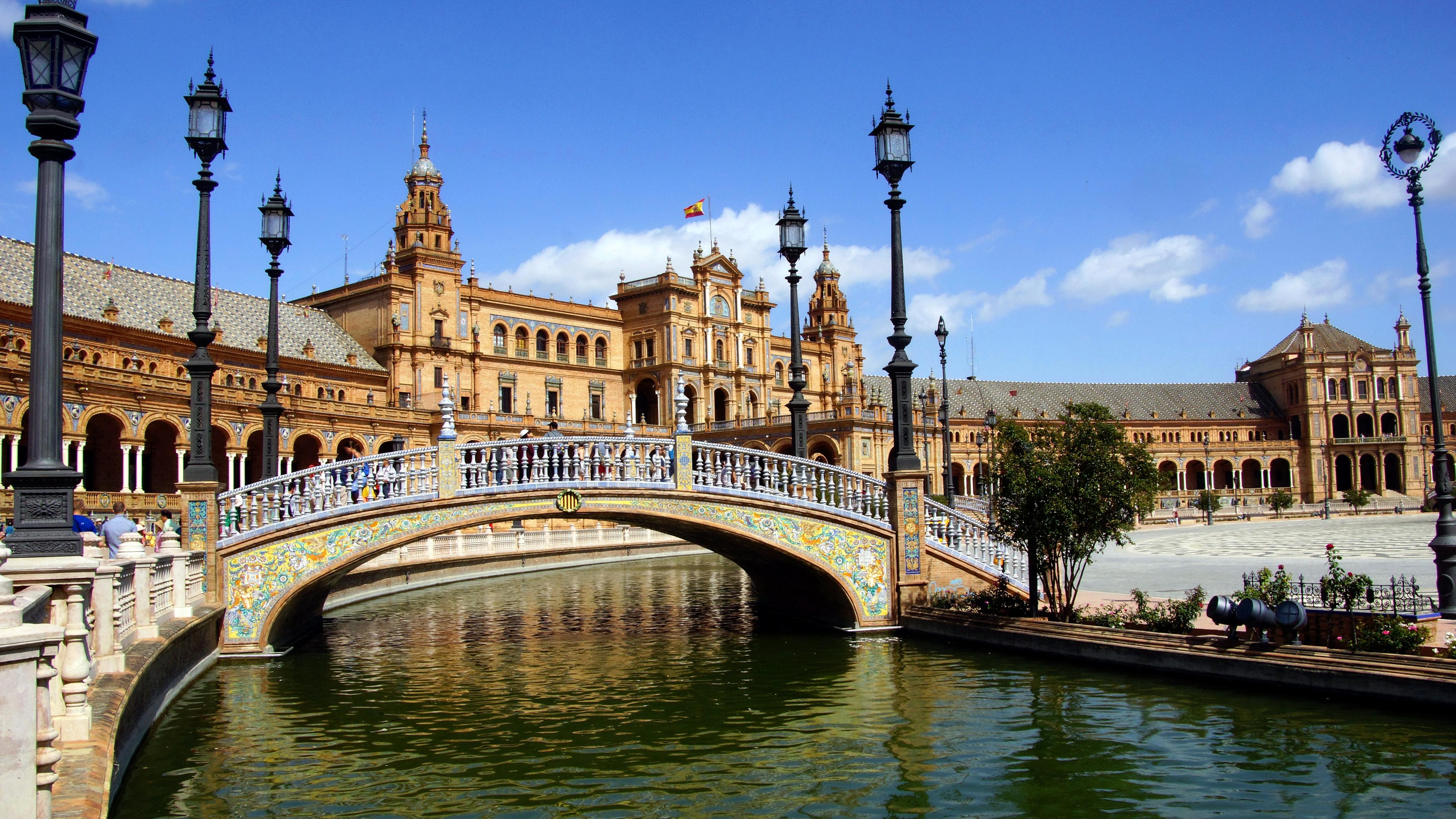 Испания будет настаивать на принятии закона о налогообложении