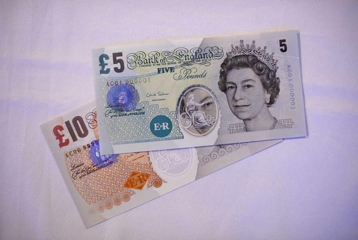 Следы животного жира в деньгах расстраивает вегетарианцев Великобритании